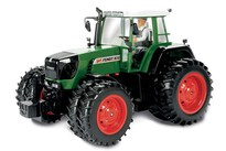 Carson Fendt Trac Double Wheel Rtr 2,4 Ghz 1:14