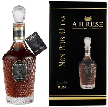 A.H. Riise Non Plus Ultra Very Rare Rom 42% 70 cl.